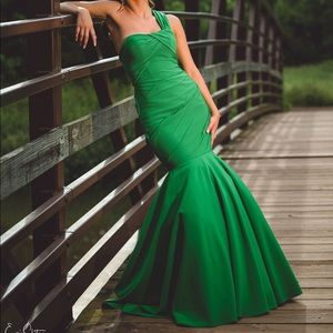 Green one shoulder mermaid gown